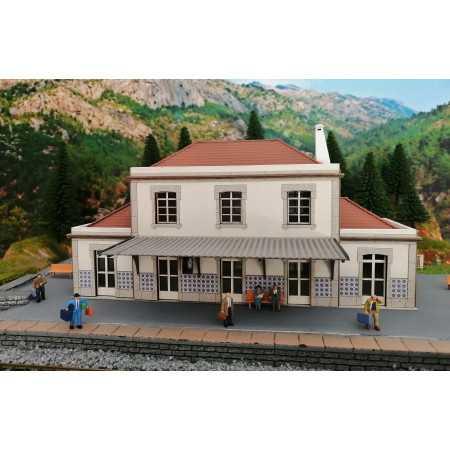 Estação Portuguesa com...